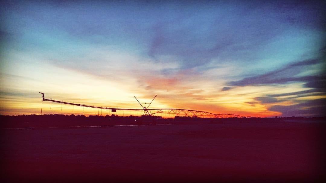 Sunrise and irrigation pivot